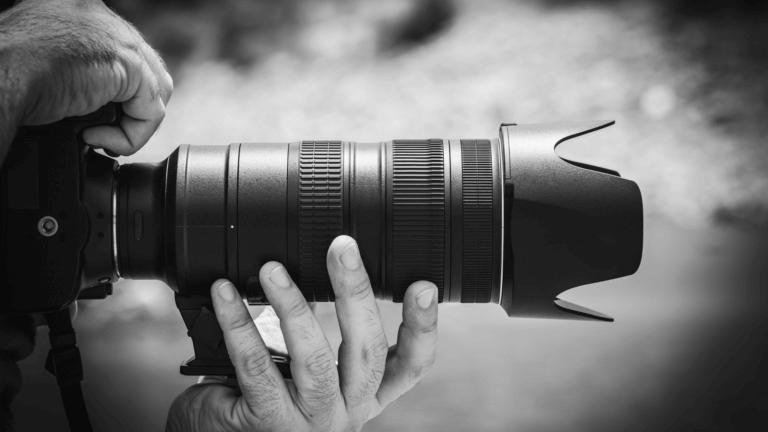 Good Food 17 視頻及電影是由序列組成的,序列由場景組成的,場景由鏡頭組成的, 景深是一個頻譜,它提供了許多不同類型的相機焦點。 在拍攝微電影廣告或是照片這項技巧更是不可缺少。 景深是也是焦距問題, 因此優秀的攝影師明白,景深就是光譜,學習可以微調, 如果想成為一位出色的攝影師, 不論是想拍照片還是拍影片,了解攝影工具及功能是非常重要的。 景深是提升攝影作品的一項重要技巧,當學會活用景深後, 除了能大幅提升自己的攝影技巧外,還可以增加充滿藝術感的創造力, 能知道如何產生清晰的圖像,以及何時將物體對準焦點, 若也想精進自己廣告拍攝或是活動拍攝,景深是必要學習的拍攝技巧。